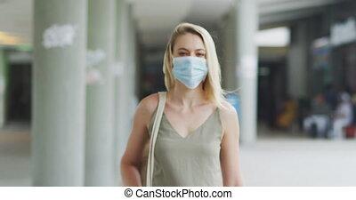 masque, coronavirus, femme, covid19, vue, caucasien, porter, devant