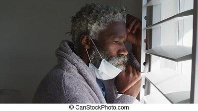 masque, regarder, personne agee, dehors, figure, fenêtre, homme, sien, menton, maison