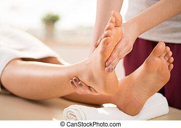 masseur, masage, jambe