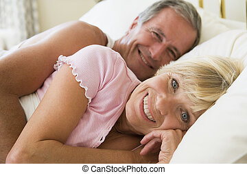 mensonge, sourire, couple, lit