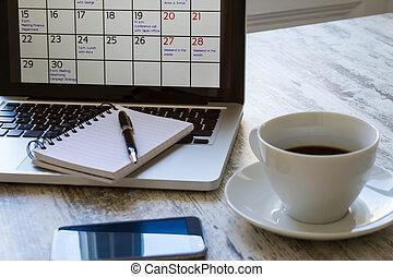 mensuel, calendrier, activités, vérification, ordinateur portable