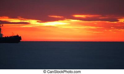 mer, sunset.