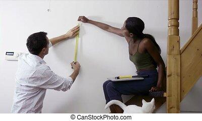 mesurer, mur, bricolage, couple, maison