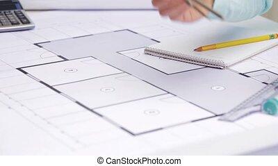 mesurer, plan, femme, architecte, compas