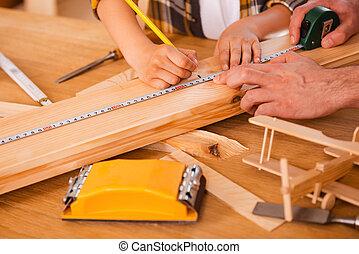 mesures, fonctionnement, seriousboy, bois, process., père, planche, portion, quoique, sien, confection, lui