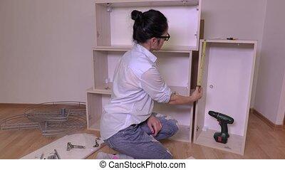 meubles, femme, mètre à ruban