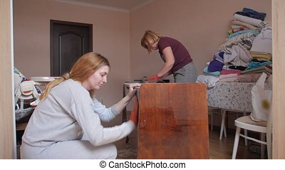 meubles, femmes, moudre