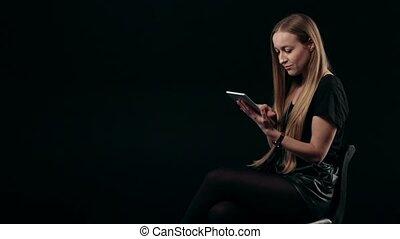 mignon, achats femme, jeune, touchpad, ligne