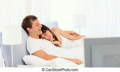 mignon, couple, film, regarder