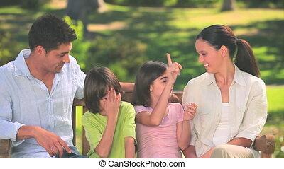 mignon, famille, conversation, dehors