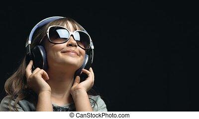 mignon, girl, écouteurs, lunettes soleil, jeune