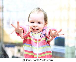 mignon, petite fille, émotif, sourire, joyeux
