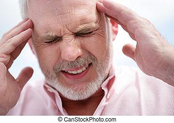 migraine, personne âgée hommes