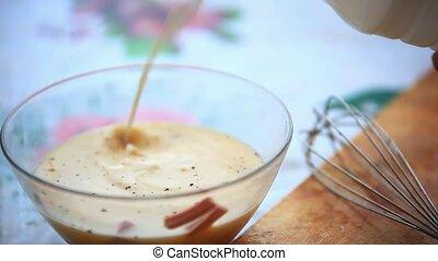 milk., verser, verre, bowl., préparer, omelette, mélange, hd., 1920x1080
