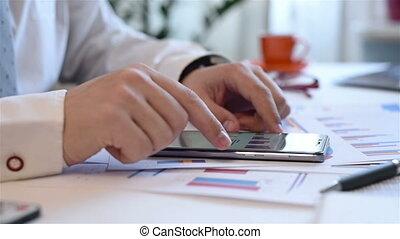 mobile, homme affaires, utilisation, téléphone