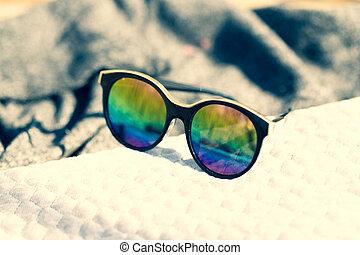 modèle, oeil, coloré, foyer, mode, cadre, lentilles, noir, dehors, lunettes soleil, grand, dames, sélectif, jour, closeup., pousse, rond, ensoleillé, chat