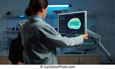 moniteur, neurologue, docteur, regarder, cerveau, examiner, balayage