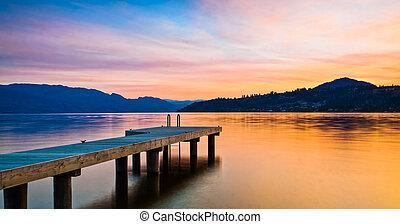 montagne, coucher soleil, lac, dock