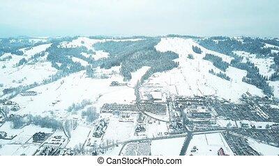 montagne, coup, montagnes, pologne, tatrzanska, méridional, neige, recours, tatra, ski, couvert, aérien, ski, slopes., bialka