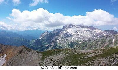 montagne, coup, rocheux, neigeux, glacier, contre, peaks., surprenant, arête, aérien, falaises, paysage., vue