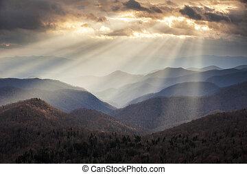 montagnes bleues, crépusculaire, rayons, arête, scénique, appalachian, voyage, nc, destination, occidental, dorsale, lumière, nord, route express, caroline