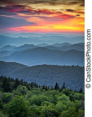montagnes bleues, grand, arête, couches, scénique, parc national, coucher soleil, dorsale, appalachian, enfumé, route express, sur, paysage