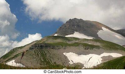 montagnes., défaillance, nuages, bas, temps