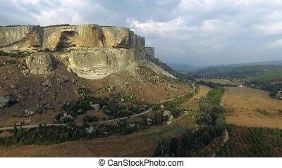 montagnes, gradually, cuesta, aérien, crimean, 350, série, monter, m, sur, view:, extérieur, crimea., slowmotion, arête, bakhchisaray., besh-kosh, montagne