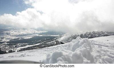 montagnes, pittoresque, neigeux, jour ensoleillé, vue