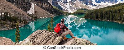 montagnes, rocheux, randonnée, &, panorama, lac, regarder, moraine, homme