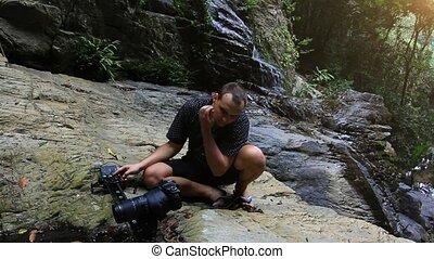 montagnes, touriste, vidéos, koh, prendre, caucasien, photos, chute eau, thailand., hd., samui., 1920x1080