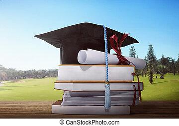 mortarboard, livre, pile, remise de diplomes, rouleau