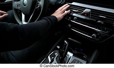 moteur, poussées, voiture, bouton, début, homme