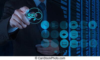 moteur, recherche, projection, main, optimization, seo, homme affaires