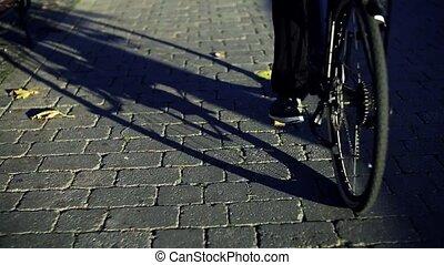 motion., lent, vélo, électrique, banlieusard, travail, voyager, homme affaires, city.