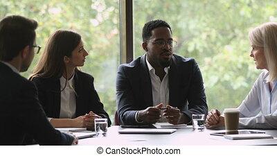 motivé, meeting., business, brain-storming, gens, discuter, course, projet, mélangé