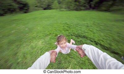 mouches, autour de, frère, tient, courses, main, au-dessus, girl, herbe
