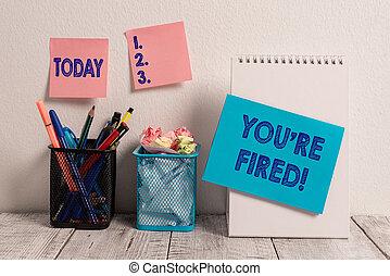 mur, photo, collant, desk., déchargé, re, fired., pots, spirale, écriture, note, indiquer, 2, employé, vous, crayon, utilisé, business, projection, patron, métier, cahier, carte, il, notes, travail, maille, showcasing