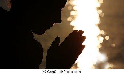 namaste, femme, silhouette, possession main, tête