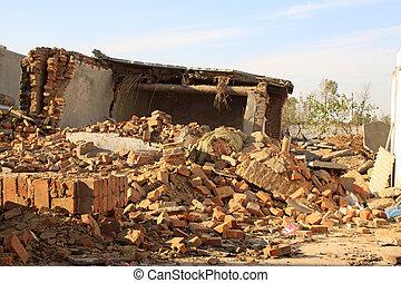 naufrage, désastre, mur, séisme, après