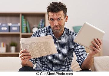 newspaper?, tablette, est, numérique, nouvelles, better?, ou