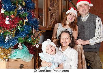 noël heureux, famille, enfant, chapeaux