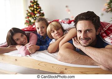 noël, mensonge, lit, temps famille