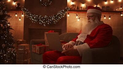 noël., ordinateur portable, sofa, enfants, séance, fond, santa, responds, fonctionnement, email, claus, maison