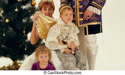 nobles, famille, heureux