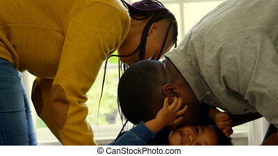 noir, maison, côté, parents, vue, leur, confortable, 4k, jouer, fils, jeune