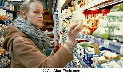 nourriture, épicerie, femme, choisir