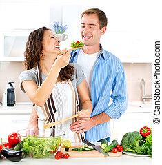 nourriture, couple, ensemble., heureux, sain, cuisine, dieting.