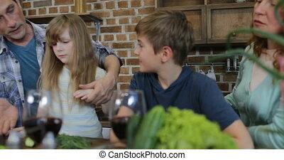 nourriture famille, communication, cuisine, quoique, conversation, dîner, parents, préparer, maison, enfants, cuisine