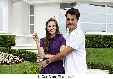 nouveau, couple, maison achat